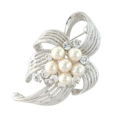 Pretty Chic Brooch - Ivory Pearls (S-Brooch 4)