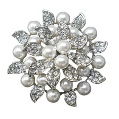 Starlet Chic Pearl Brooch - 37
