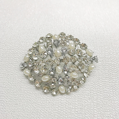 SALE ITEM -  PEARL BROOCH - IVORY (49)