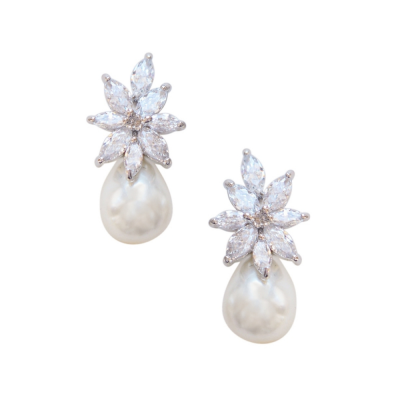CUBIC ZIRCONIA COLLECTION - GRACEFUL PEARL EARRINGS - CZER511 SILVER