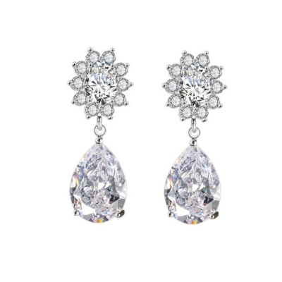 CUBIC ZIRCONIA COLLECTION - DAISY CRYSTAL EARRINGS - CZER459 (SILVER)