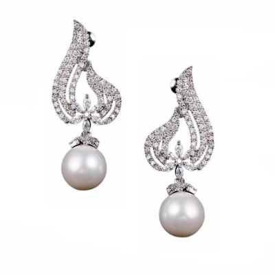 CUBIC ZIRCONIA COLLECTION - EXQUISITE PEARL EARRINGS - CZER439 SILVER