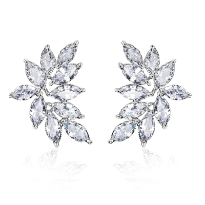 CUBIC ZIRCONIA COLLECTION - CRYSTAL CLUSTER EARRINGS - SILVER - CZER514