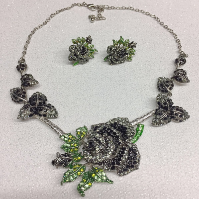 SALE ITEM - Vintage rose necklace set - (26)