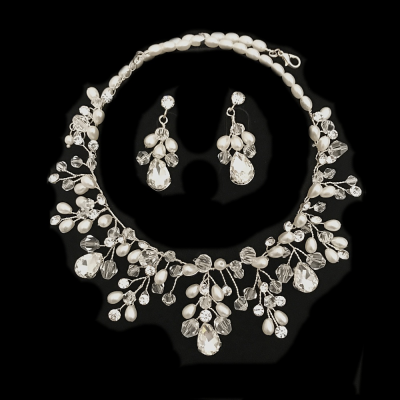 STUNNING PEARL NECKLACE SET - (SALE1)