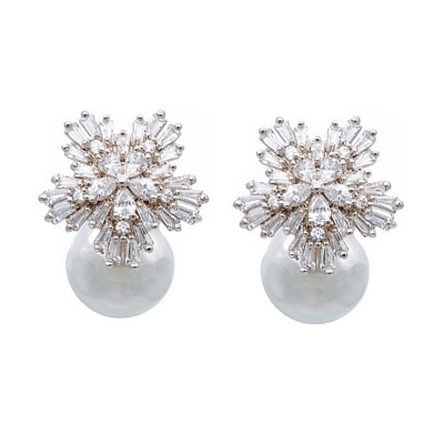 CUBIC ZIRCONIA COLLECTION - PEARL EXTRAVAGANCE EARRINGS - CZER426 (SILVER)