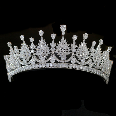 CUBIC ZIRCONIA COLLECTION - REGAL SIMULATED DIAMOND TIARA - AHB42