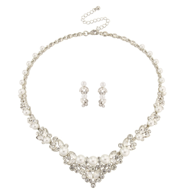 CHIC PEARL NECKLACE SET - NK185