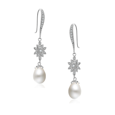 CUBIC ZIRCONIA COLLECTON - GLITZY GLAM PEARL DROP EARRINGS - CZER491 SILVER